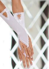 Перчатки с петелькой на пальчик