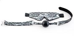 Серебристый кружевной набор: маска и кляп