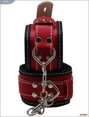 Чёрно-красные наручники на мягкой подкладке с фиксацией